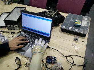 Programando los guantes